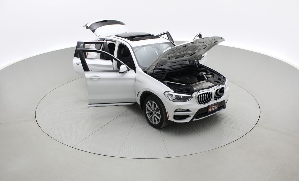 White[Alpine White] 2018 BMW X3 xDrive30i - Leather, Panoramic Roof, Navigation Left Front Corner Photo in Winnipeg MB
