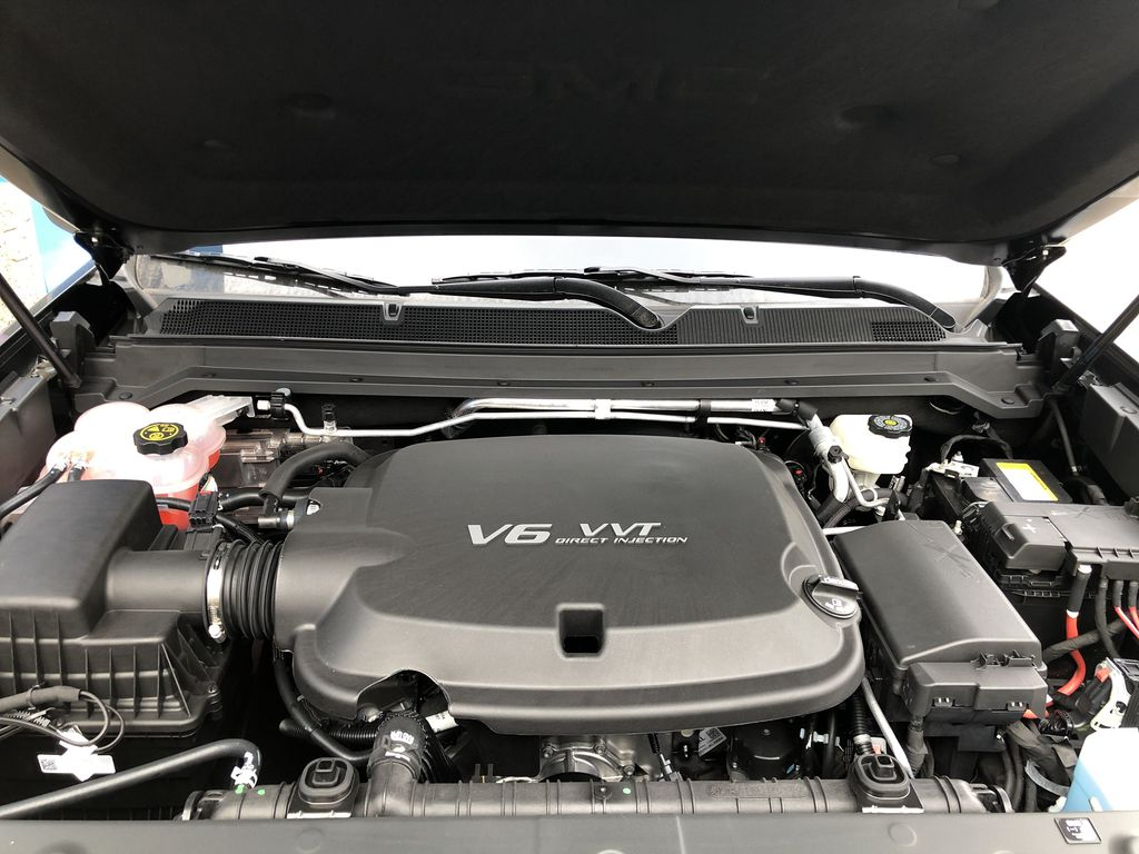 Black[Onyx Black] 2021 GMC Canyon AT4 Engine Compartment Photo in Canmore AB