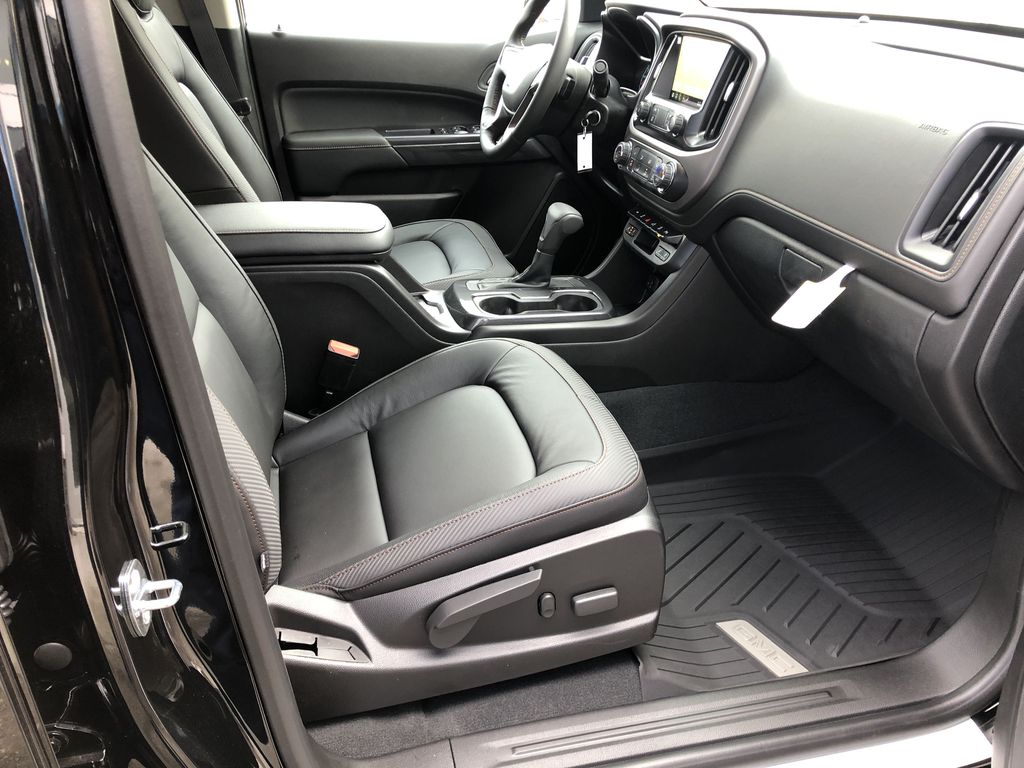 Black[Onyx Black] 2021 GMC Canyon AT4 Right Side Photo in Canmore AB
