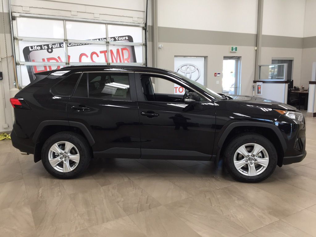 Black[Midnight Black Metallic] 2021 Toyota RAV4 XLE AWD Right Side Photo in Sherwood Park AB