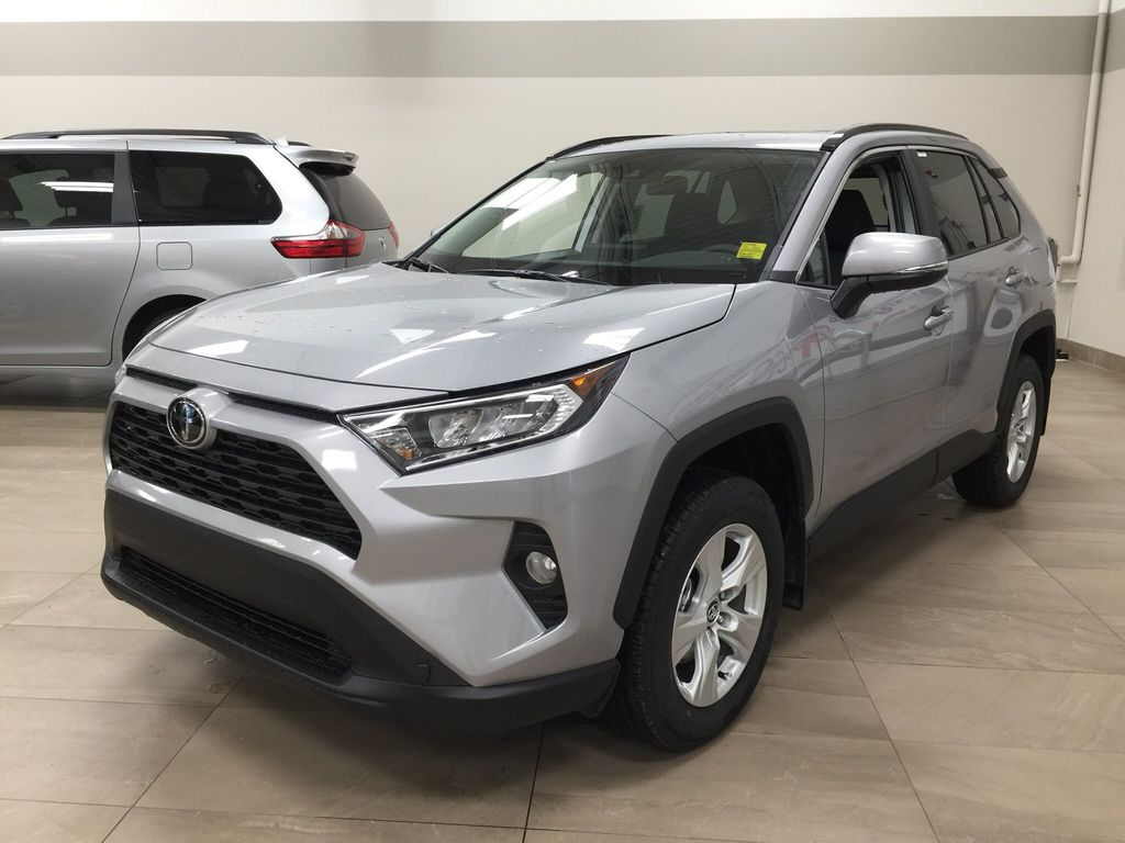 Silver[Silver Sky Metallic] 2021 Toyota RAV4 XLE AWD Left Front Corner Photo in Sherwood Park AB