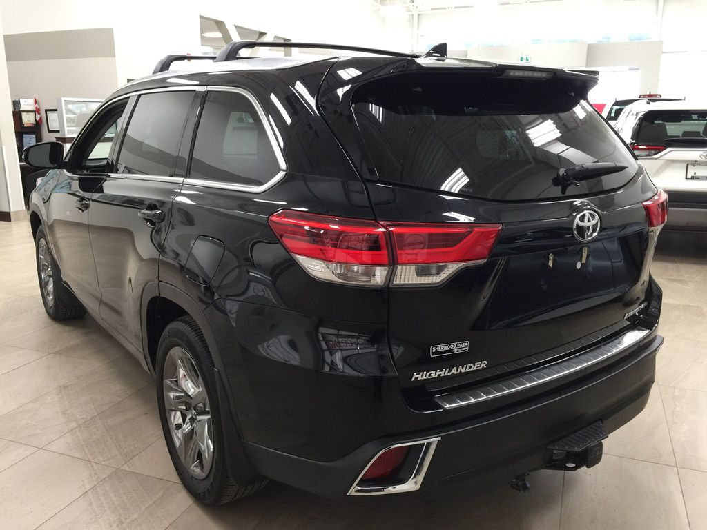 Black[Midnight Black Metallic] 2017 Toyota Highlander Limited AWD Left Rear Corner Photo in Sherwood Park AB