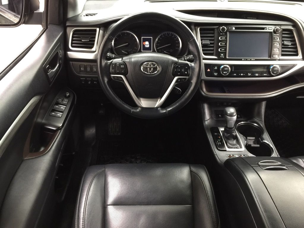 Black[Midnight Black Metallic] 2017 Toyota Highlander Limited AWD Left Front Seat Photo in Sherwood Park AB