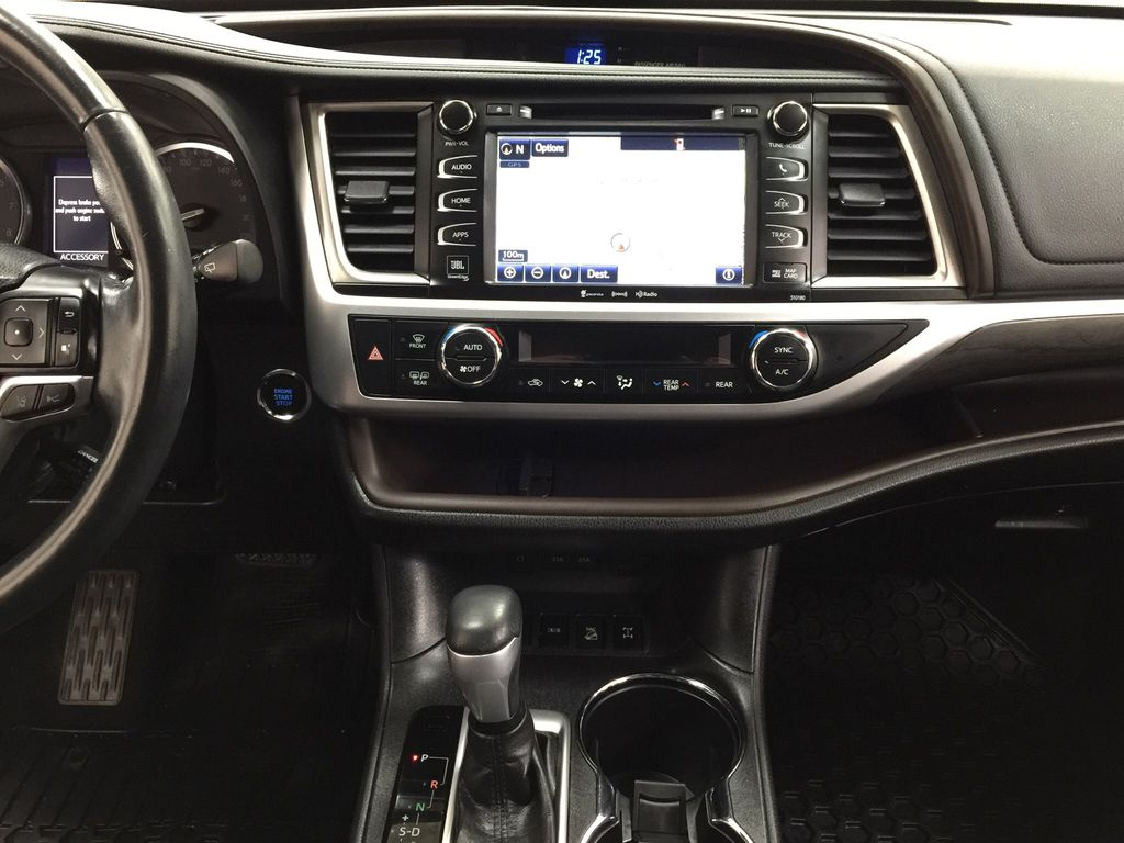 Black[Midnight Black Metallic] 2017 Toyota Highlander Limited AWD Central Dash Options Photo in Sherwood Park AB