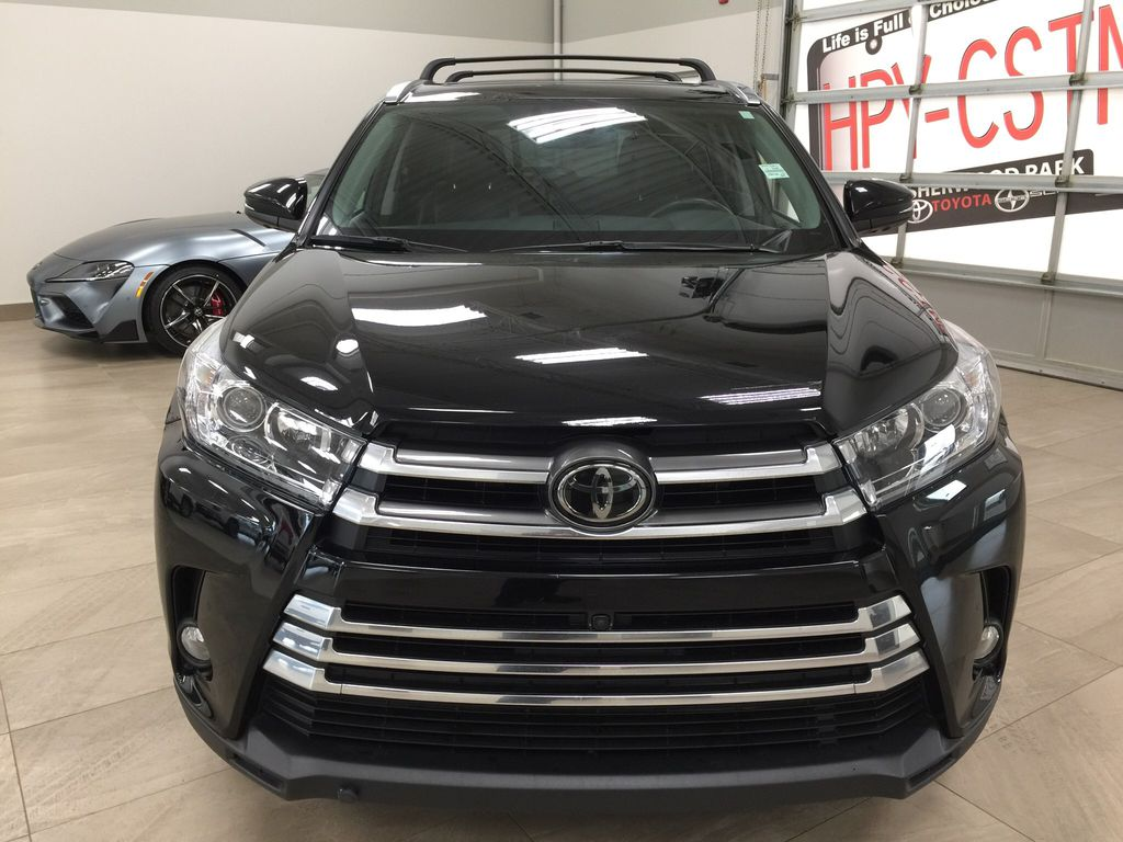 Black[Midnight Black Metallic] 2017 Toyota Highlander Limited AWD Front Vehicle Photo in Sherwood Park AB