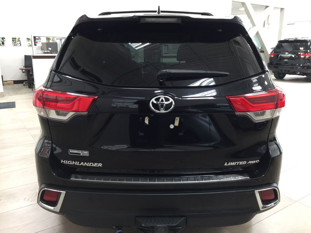 Black[Midnight Black Metallic] 2017 Toyota Highlander Limited AWD Rear of Vehicle Photo in Sherwood Park AB