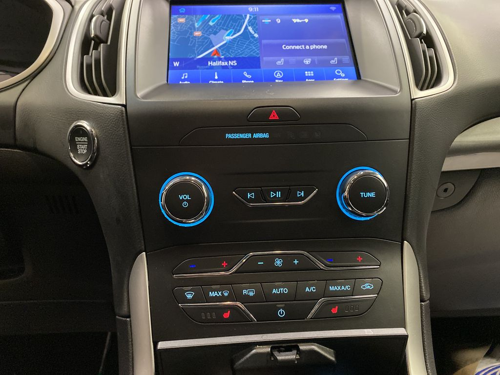 Blue[Atlas Blue Metallic] 2020 Ford Edge Central Dash Options Photo in Dartmouth NS