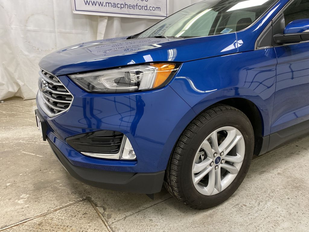 Blue[Atlas Blue Metallic] 2020 Ford Edge Left Front Corner Photo in Dartmouth NS