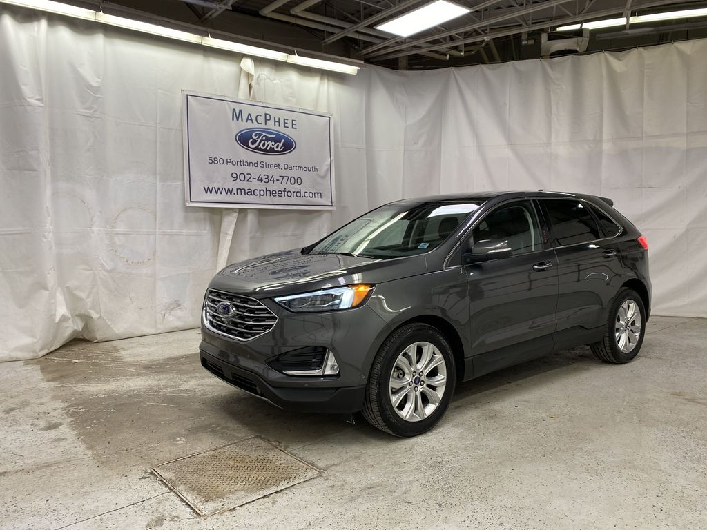 Silver[Iconic Silver Metallic] 2020 Ford Edge