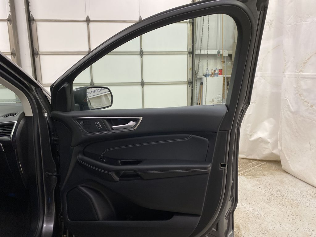 Silver[Iconic Silver Metallic] 2020 Ford Edge Right Front Interior Door Panel Photo in Dartmouth NS