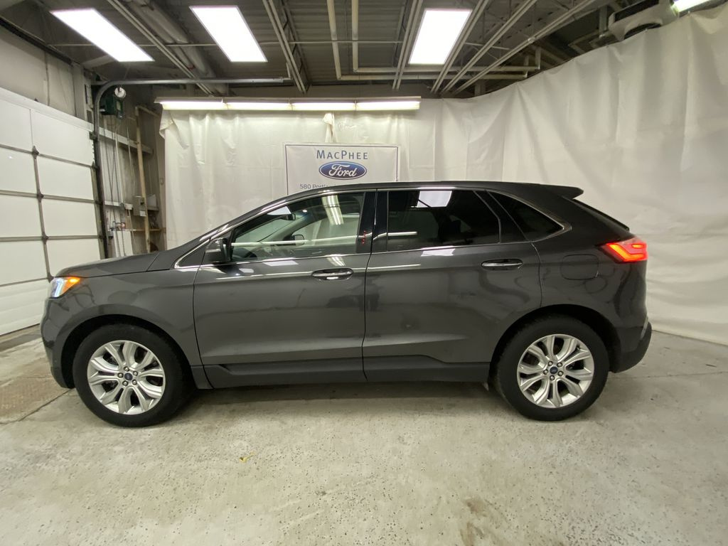 Silver[Iconic Silver Metallic] 2020 Ford Edge Left Side Photo in Dartmouth NS