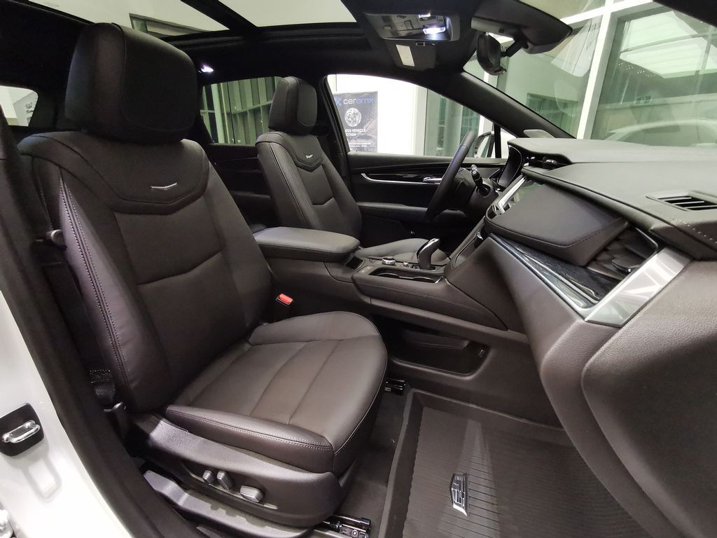 White[Crystal White Tricoat] 2021 Cadillac XT5 Right Side Front Seat  Photo in Edmonton AB