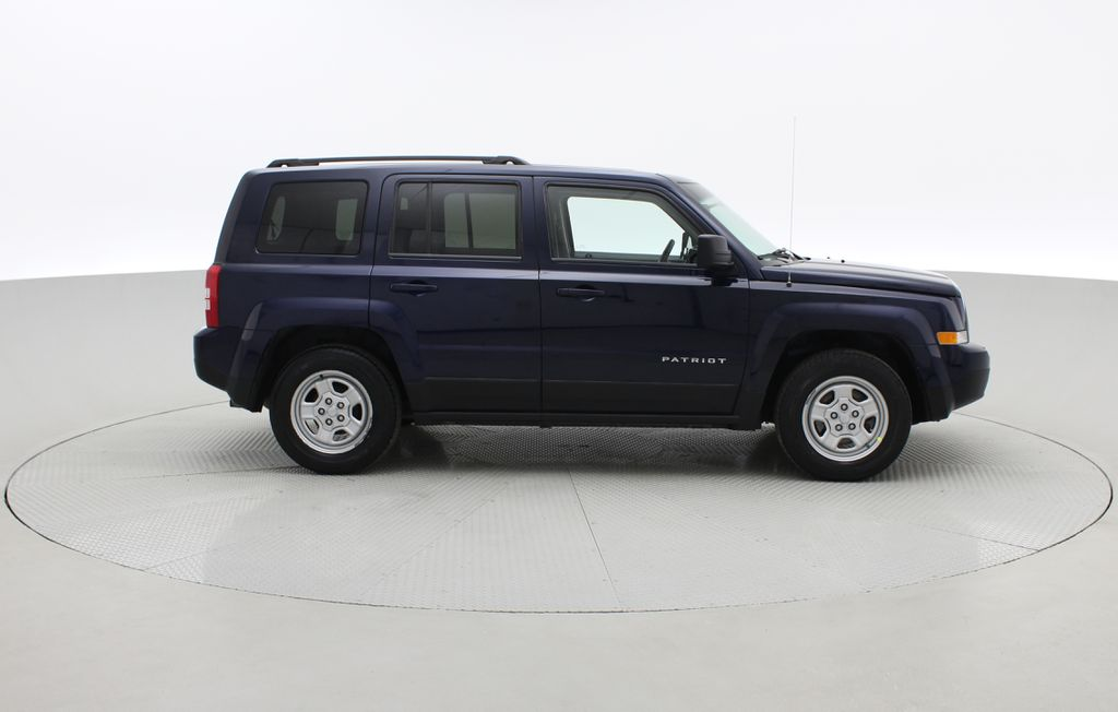 Blue[True Blue Pearlcoat] 2014 Jeep Patriot North - Alloy Wheels, AUTO, ALL CREDIT APPROVED Right Side Photo in Winnipeg MB