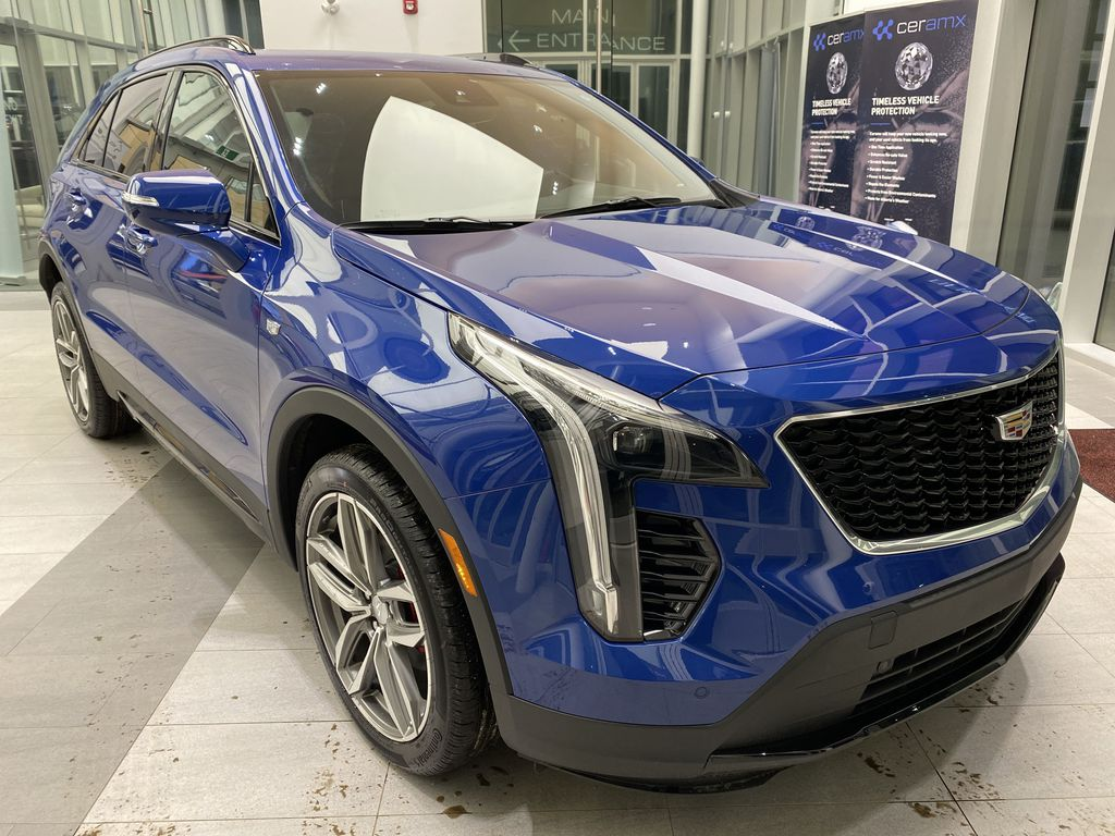 Blue[Wave Metallic] 2021 Cadillac XT4 Right Front Corner Photo in Edmonton AB