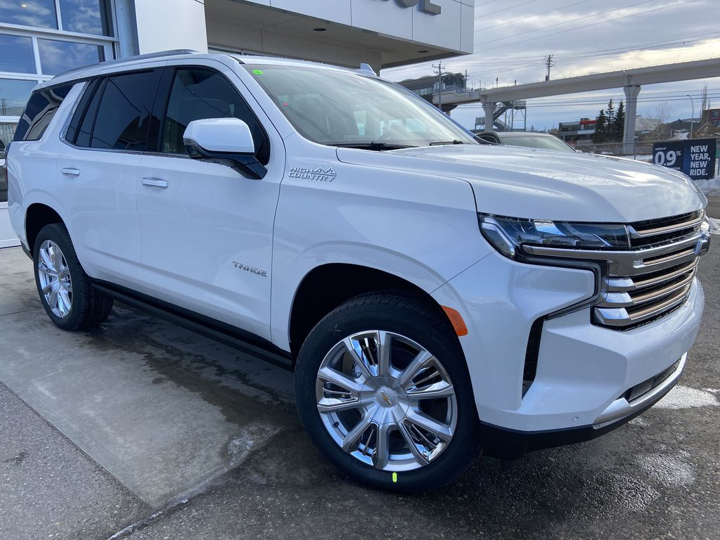 White[Iridescent Pearl Tricoat] 2021 Chevrolet Tahoe High Country