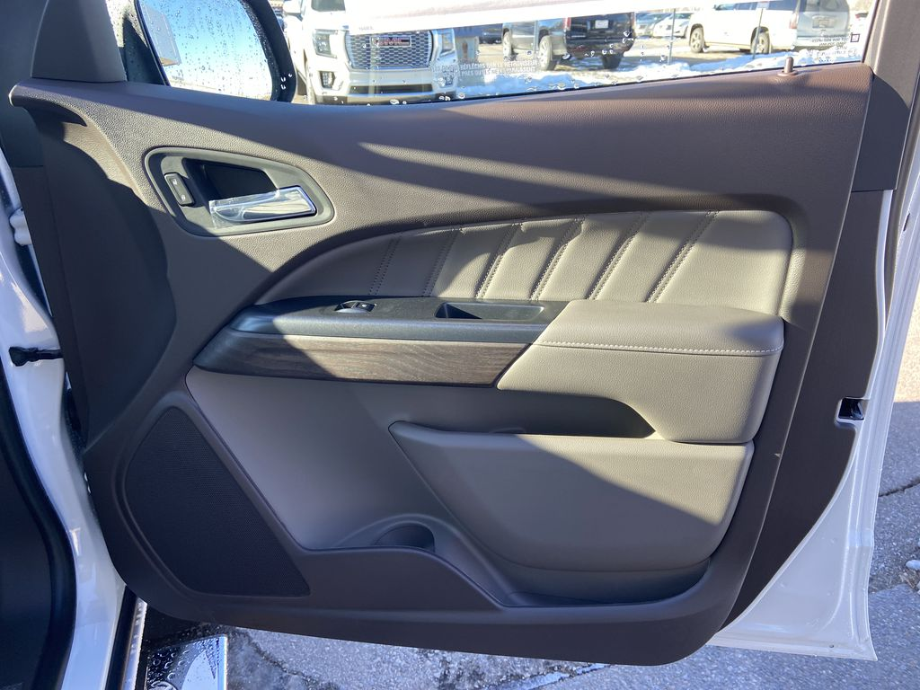 White[Summit White] 2021 GMC Canyon Denali Right Front Interior Door Panel Photo in Calgary AB