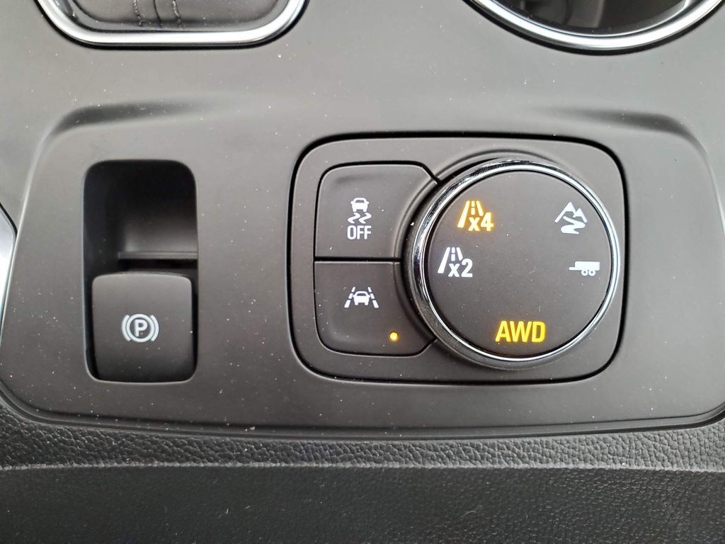 White 2021 Chevrolet Traverse Steering Wheel and Dash Photo in Airdrie AB