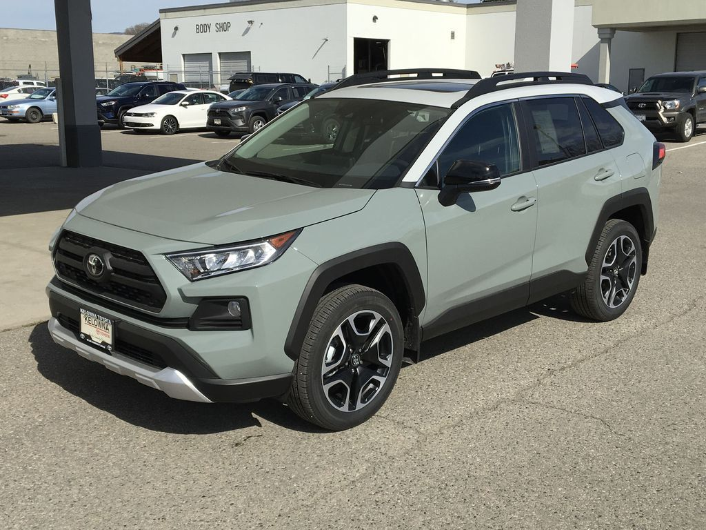 Gray[Lunar Rock/Ice Edge Roof] 2021 Toyota RAV4 Left Front Corner Photo in Kelowna BC