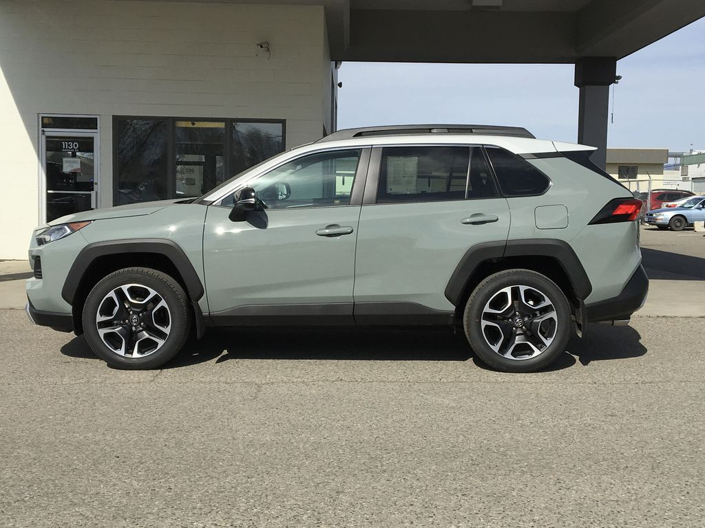 Gray[Lunar Rock/Ice Edge Roof] 2021 Toyota RAV4 Left Side Photo in Kelowna BC
