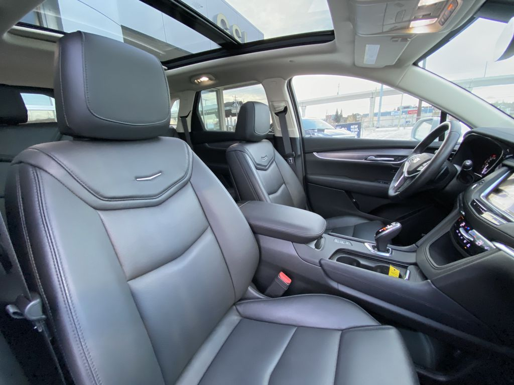 White[Crystal White Tricoat] 2019 Cadillac XT5 Luxury Right Side Front Seat  Photo in Calgary AB