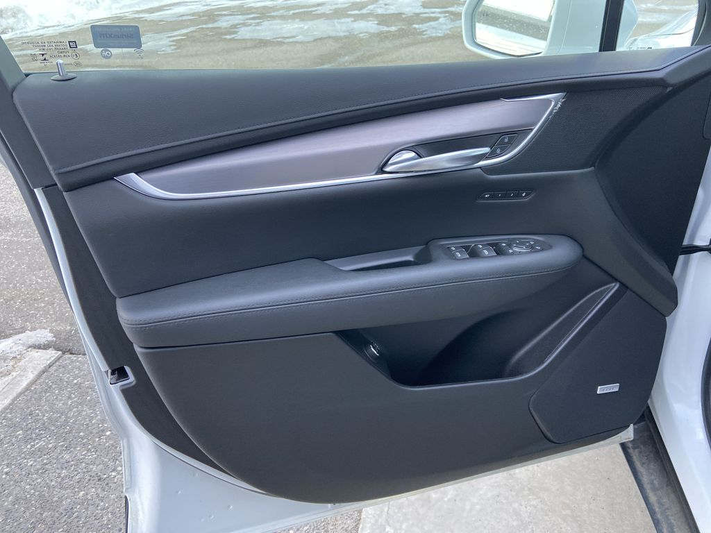 White[Crystal White Tricoat] 2019 Cadillac XT5 Luxury Left Front Interior Door Panel Photo in Calgary AB