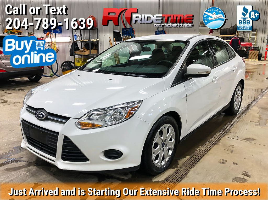 White[Oxford White] 2014 Ford Focus SE - Automatic. Heated Seats, Bluetooth, LOW KMs