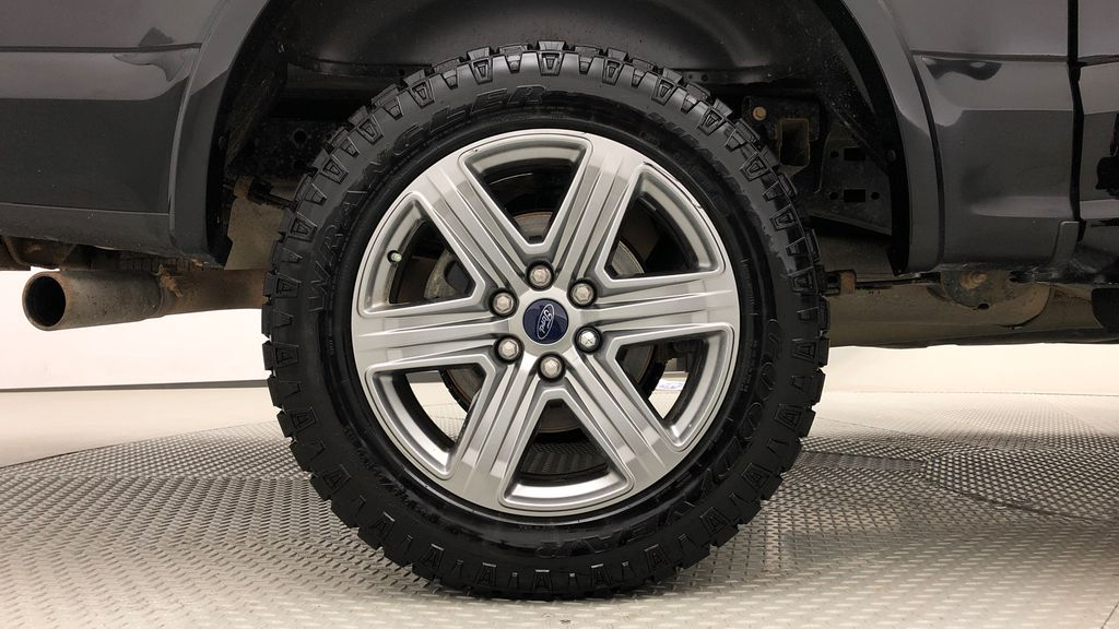 Black[Shadow Black] 2018 Ford F-150 XLT 4WD - Sport Package, 5.0L V8, Backup Camera Right Rear Rim and Tire Photo in Winnipeg MB