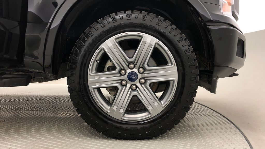 Black[Shadow Black] 2018 Ford F-150 XLT 4WD - Sport Package, 5.0L V8, Backup Camera Right Front Rim and Tire Photo in Winnipeg MB