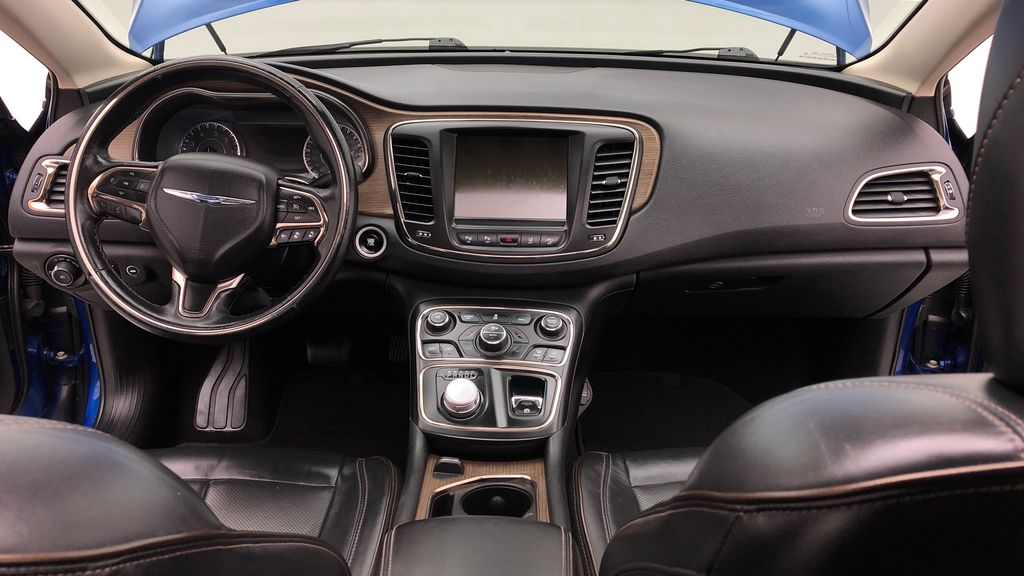 Blue[Vivid Blue Pearl] 2015 Chrysler 200 C - Leather, Panoramic Roof, Adaptive Cruise, SiriusXM Central Dash Options Photo in Winnipeg MB
