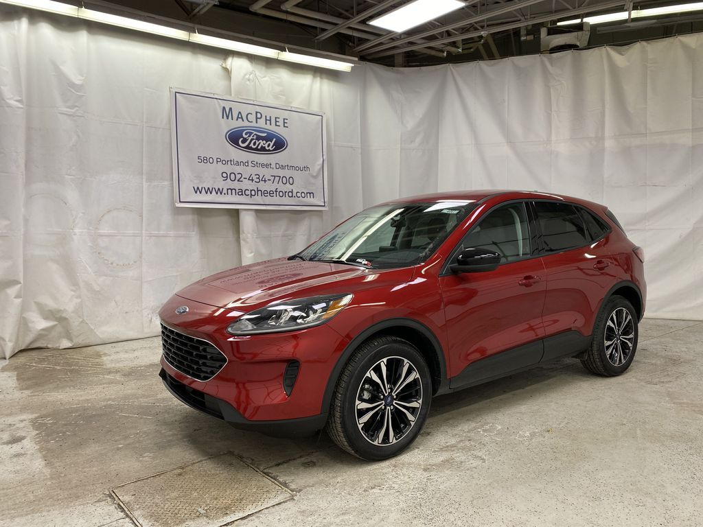Red[Rapid Red Metallic Tinted Clearcoat] 2021 Ford Escape