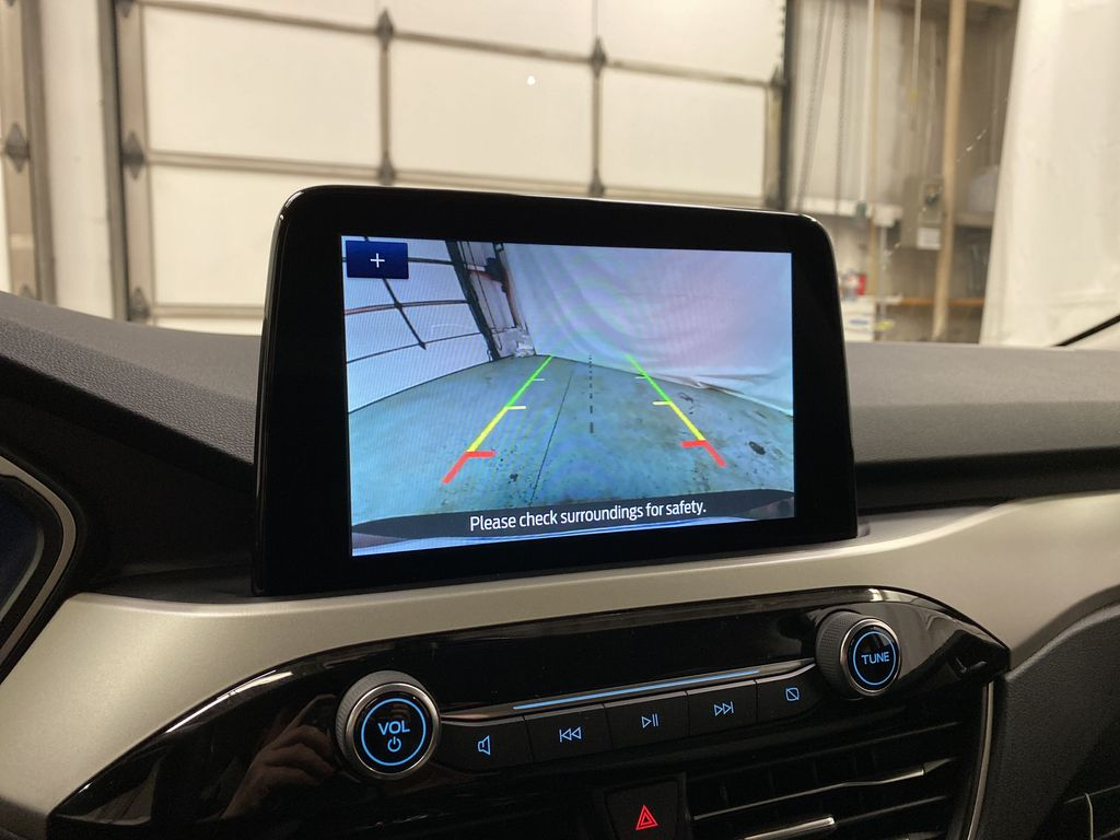 Red[Rapid Red Metallic Tinted Clearcoat] 2021 Ford Escape Backup Camera Closeup Photo in Dartmouth NS