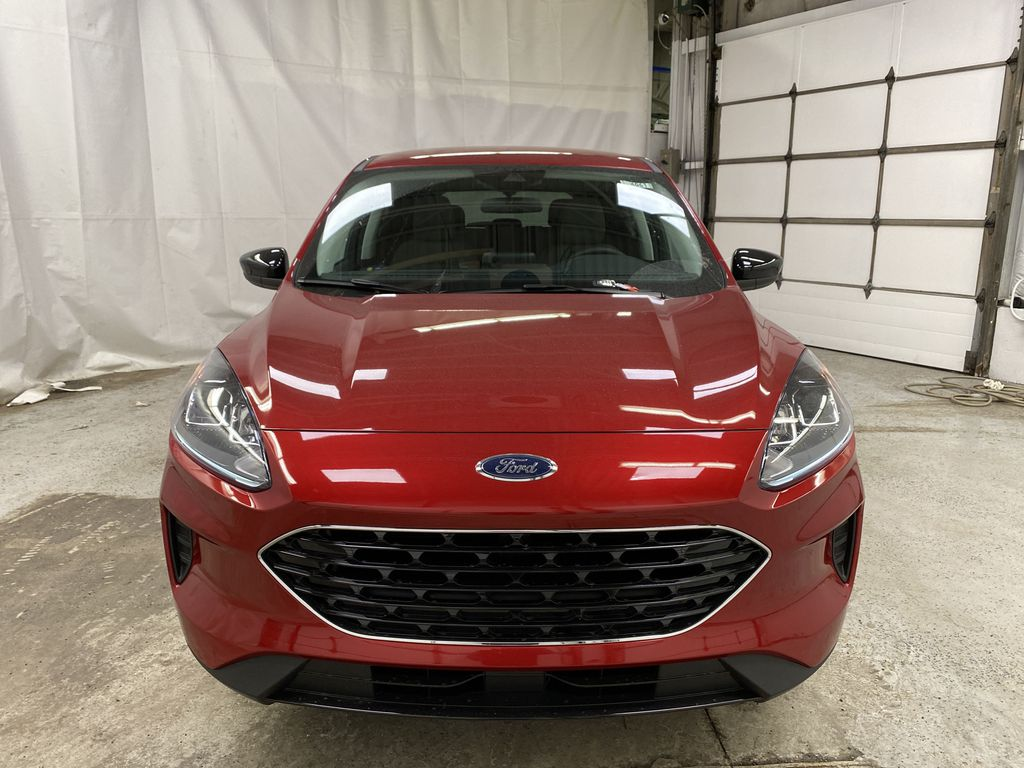 Red[Rapid Red Metallic Tinted Clearcoat] 2021 Ford Escape Front Vehicle Photo in Dartmouth NS