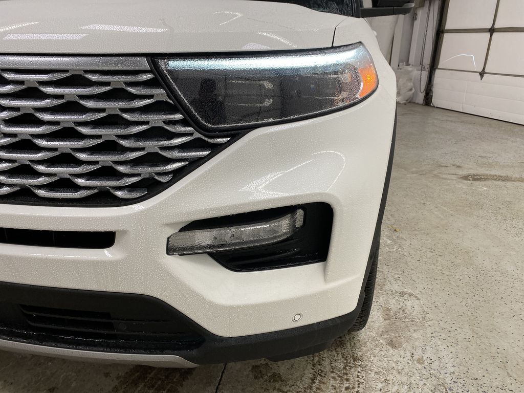 White[Star White Metallic Tri-Coat] 2021 Ford Explorer Left Front Head Light / Bumper and Grill in Dartmouth NS