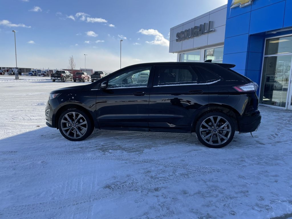 Black[Shadow Black] 2018 Ford Edge Front Vehicle Photo in Fort Macleod AB