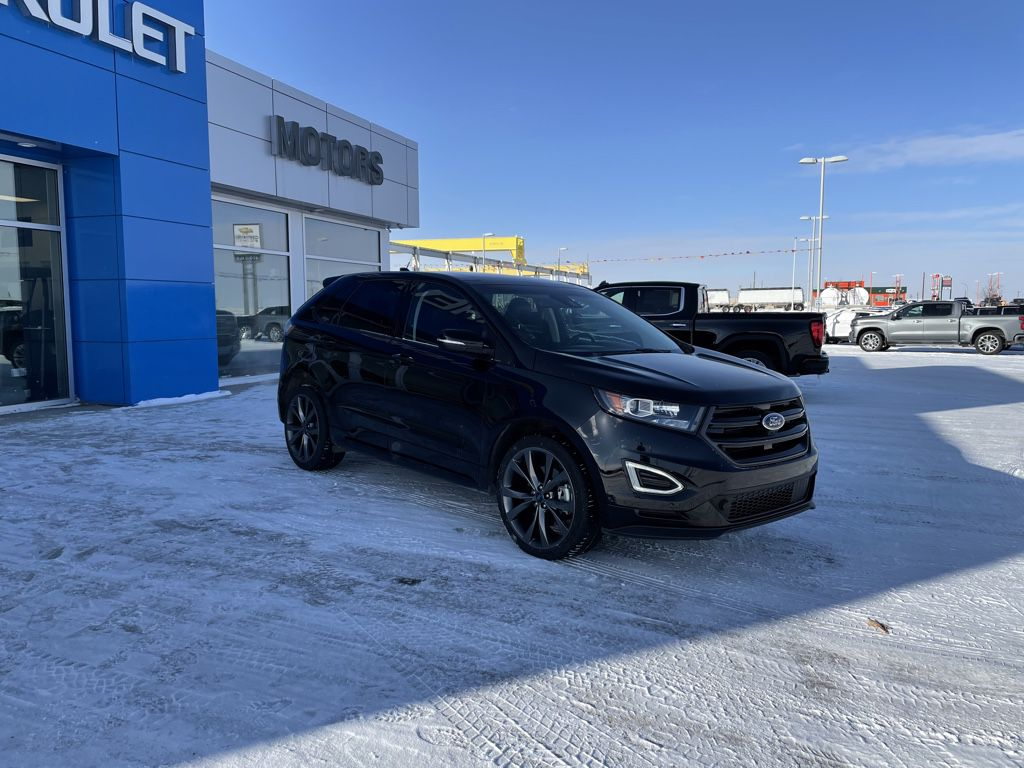 Black[Shadow Black] 2018 Ford Edge Left Front Corner Photo in Fort Macleod AB