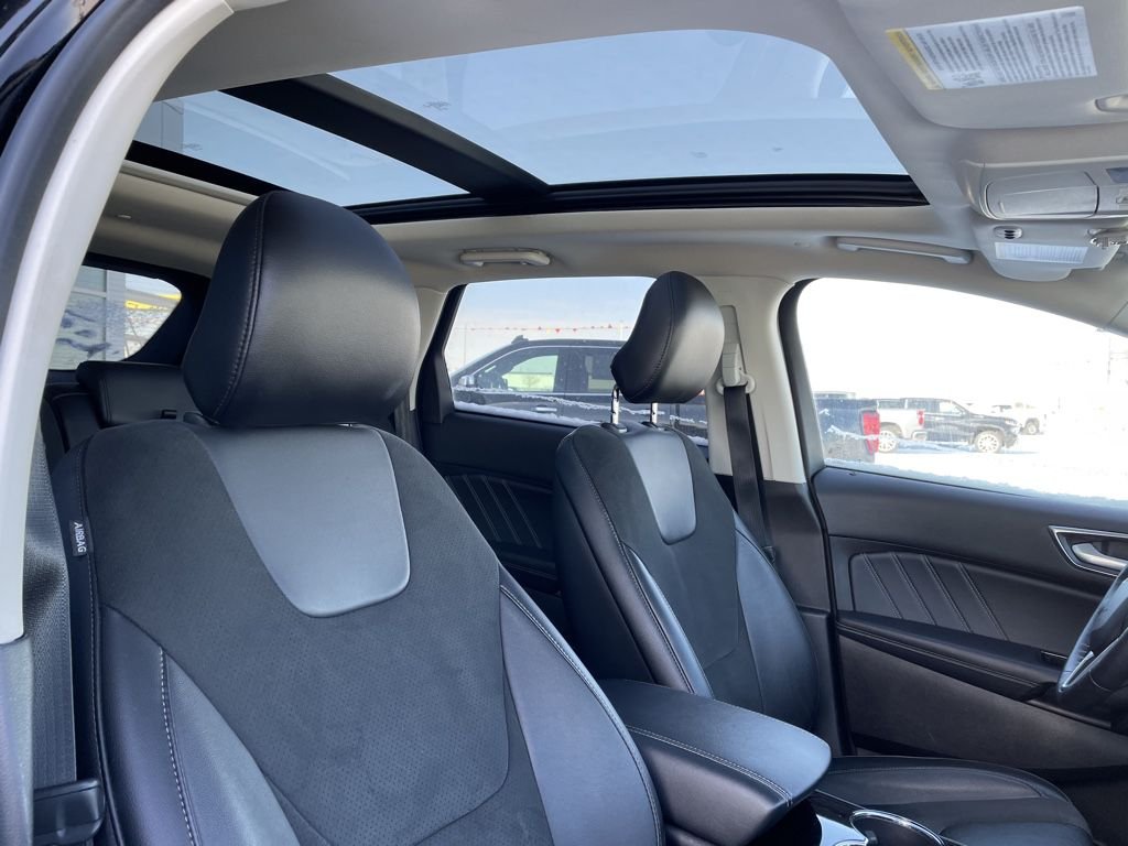 Black[Shadow Black] 2018 Ford Edge Left Front Interior Door Panel Photo in Fort Macleod AB