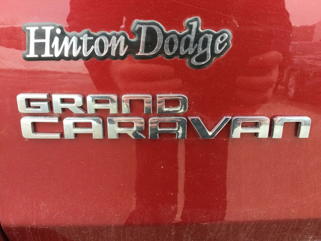 Red[Deep Cherry Red Crystal Pearl] 2016 Dodge Grand Caravan Trim Specific Photo in Brockville ON