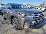 Silver[Celestial Silver Metallic] 2018 Toyota Highlander Right Front Corner Photo in Kelowna BC