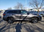 Silver[Celestial Silver Metallic] 2018 Toyota Highlander Right Side Photo in Kelowna BC