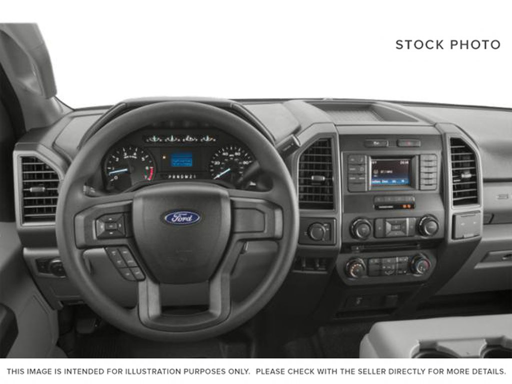 White[Oxford White] 2019 Ford Super Duty F-350 SRW Steering Wheel and Dash Photo in Fort Macleod AB