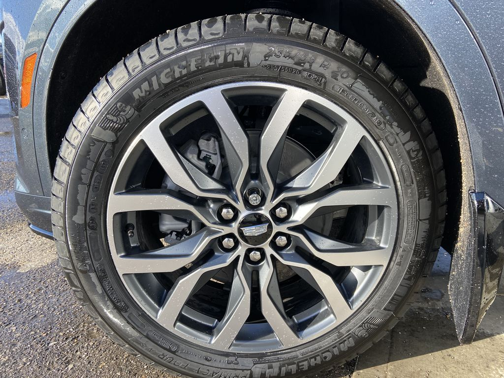 Gray[Shadow Metallic] 2021 Cadillac XT6 Sport Left Front Rim and Tire Photo in Calgary AB