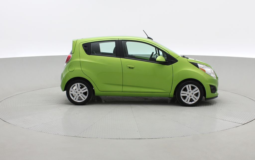 Green[Lime] 2015 Chevrolet Spark LT - AUTO,  Bluetooth, Automatic, SiriusXM Radio Right Side Photo in Winnipeg MB