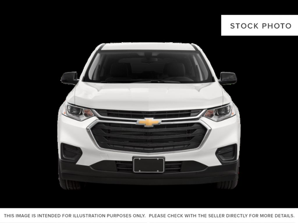 Silver[Silver Ice Metallic] 2021 Chevrolet Traverse Front Vehicle Photo in Edmonton AB