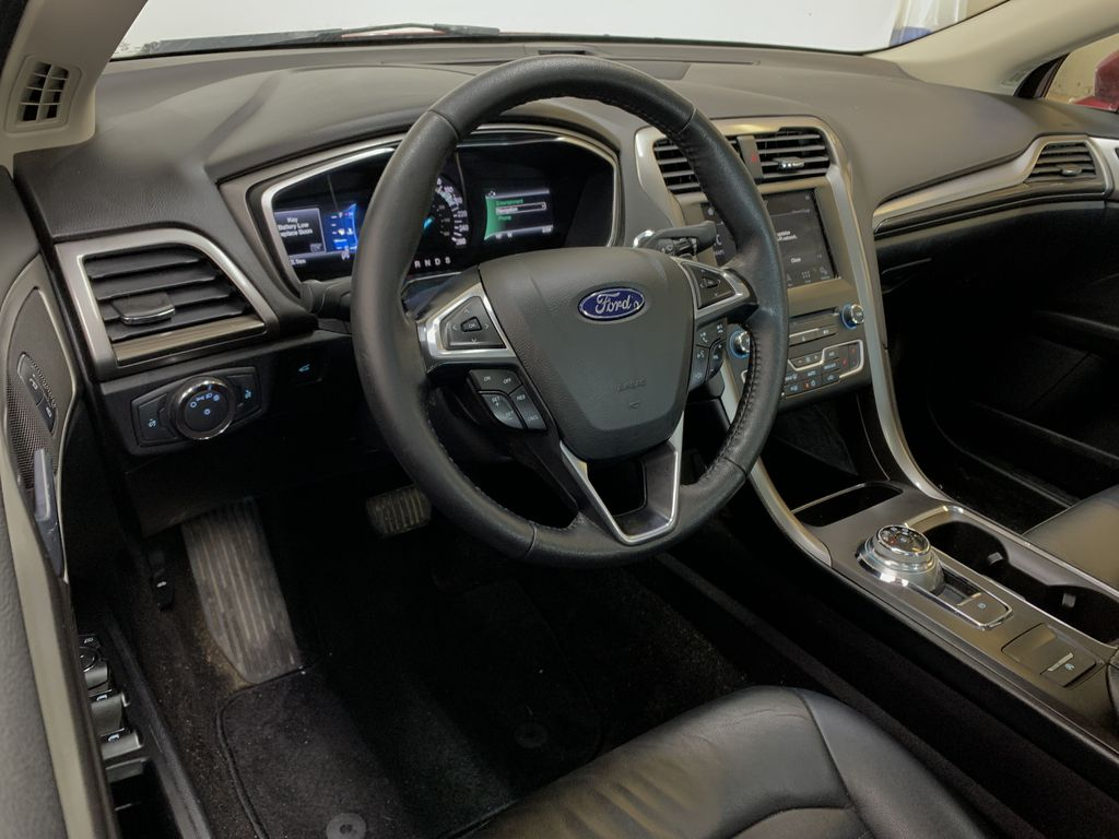 D.RED 2018 Ford Fusion SE -  Apple CarPlay, Remote Start, NAV, Steering Wheel and Dash Photo in Edmonton AB