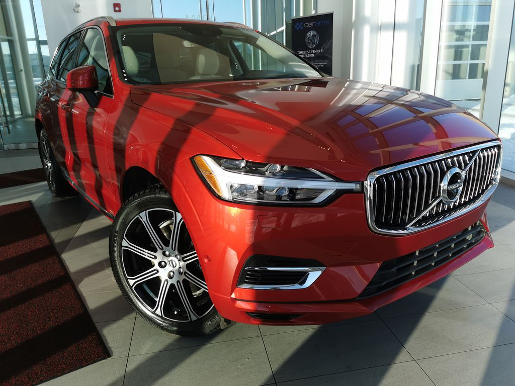 Red[Fusion Red Metallic] 2020 Volvo XC60
