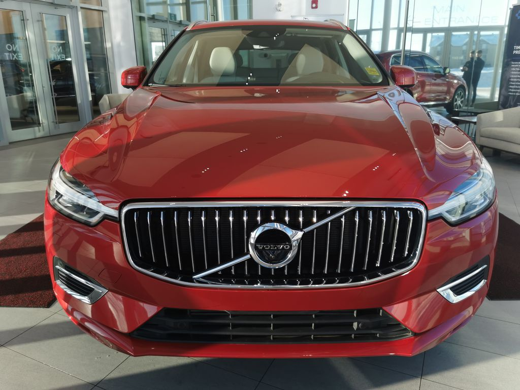 Red[Fusion Red Metallic] 2020 Volvo XC60 Front Vehicle Photo in Edmonton AB