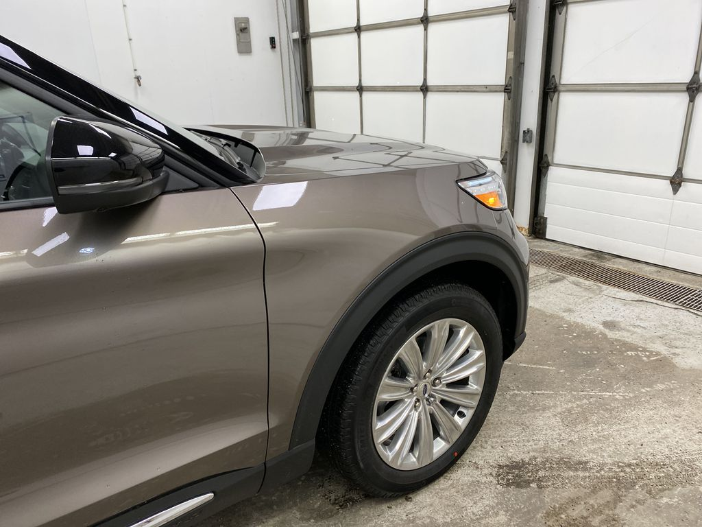STERLING GREY METALLIC 2021 Ford Explorer Right Front Corner Photo in Dartmouth NS
