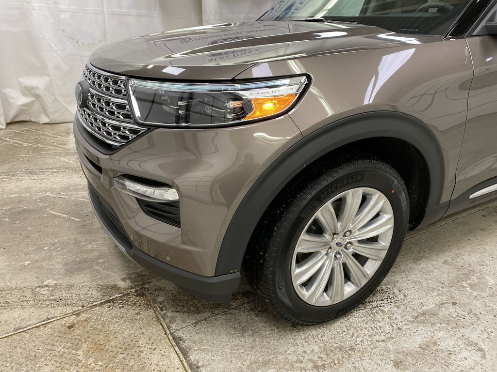 STERLING GREY METALLIC 2021 Ford Explorer Left Front Corner Photo in Dartmouth NS