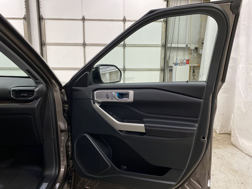 STERLING GREY METALLIC 2021 Ford Explorer Right Front Interior Door Panel Photo in Dartmouth NS