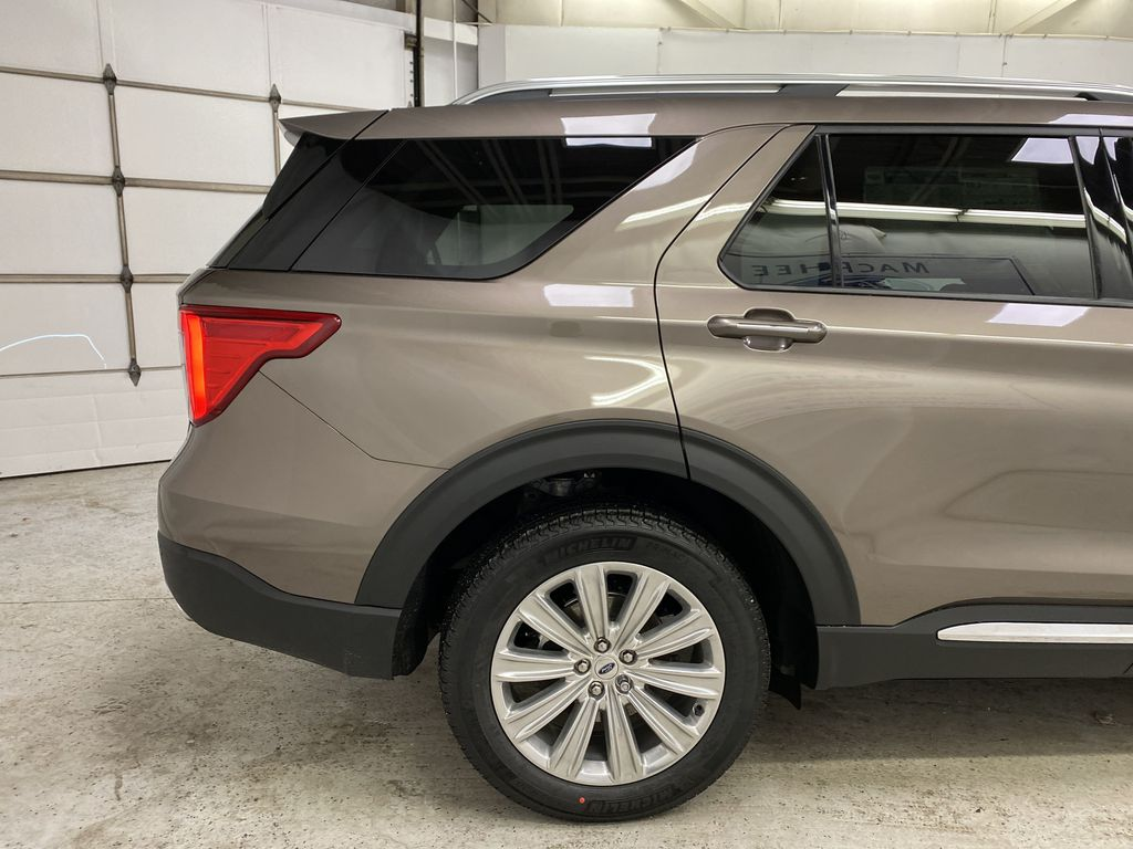 STERLING GREY METALLIC 2021 Ford Explorer Right Rear Corner Photo in Dartmouth NS